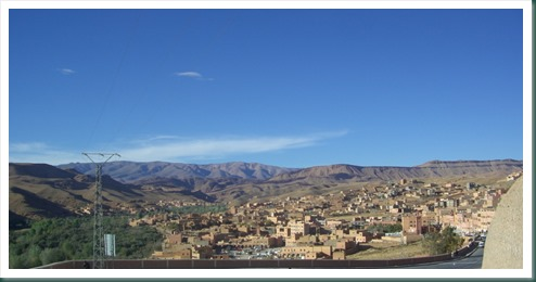 Blick über Boulmane und die Berge des Hohen Atlas